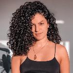 Blogger Andrea Cenzano - Blogger de estilo de vida minimalista.